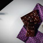 バレンタインチョコレートにも!華やかデコのおしゃれタブレット6選